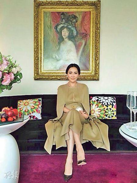 刘嘉玲在法国享受浪漫时刻。