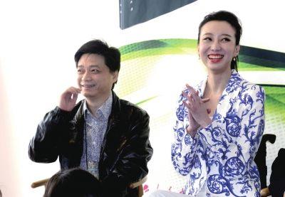 崔永元到场为刘岩助阵。京华时报记者王俭摄