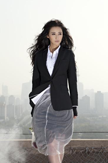 张歆艺最新时尚写真 薄衣短裙气质冷艳  - lydls123 - lydls123的博客