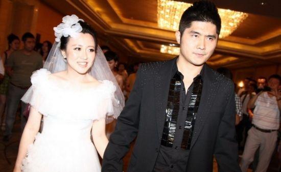 潘长江爱女潘阳与丈夫石磊(资料图)