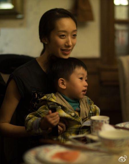 黄觉妻子漂亮儿子帅气