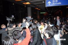 组图:谢霆锋Twins回港称与张柏芝感情没有变