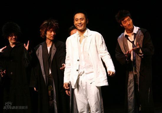 图文:刘烨而立之年庆生--刘烨感谢观众