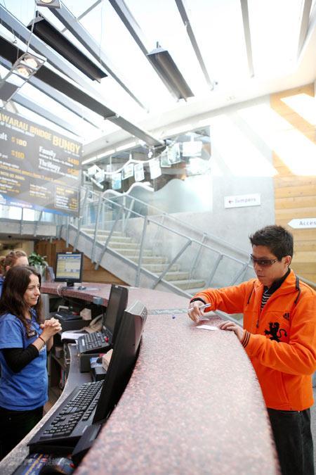 图文:邓超超人之旅作品--机场