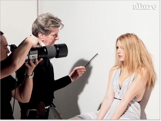 图文:布莱克-莱弗利登杂志-梳理发型