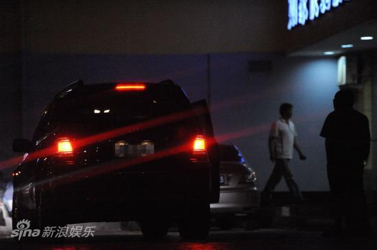 图文:孙悦与新女友树林车震--再次离开