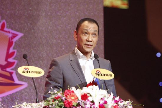 图文:王学圻获年度男演员荣誉发表感言