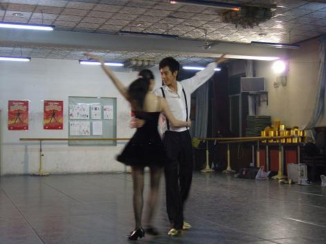 《我的玩具》第28期:主持人何欣要挑战踢踏舞