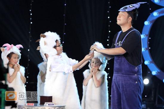 《金牌魔术团》入学考试四十位魔术师一比高下