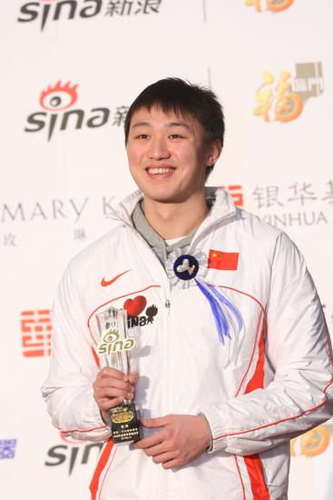 详讯:游泳健将张琳获得年度突破运动员荣誉