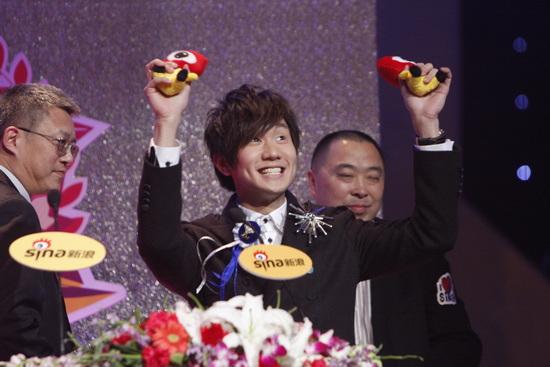 详讯:林俊杰获得年度杰出音乐唱作人荣誉