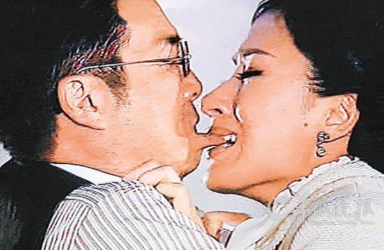 """刘松仁与杨怡的这段""""吻戏""""引发不少质疑"""