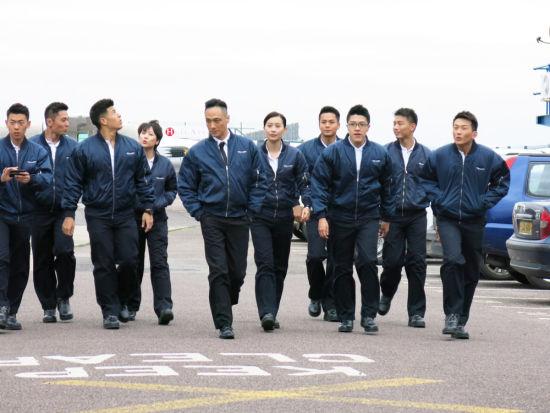 吴镇宇带领飞机师学员