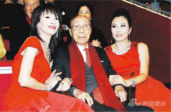 汪明荃尊敬六叔是娱乐圈精神领袖,郑裕玲更难忘六叔这位勤奋的老板。
