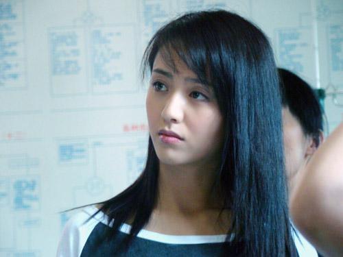 佟丽娅挑战反面角色《我是一棵小草》倔强出演