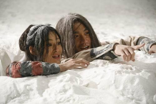 《倚天屠龙记》热拍张智尧冰火岛体验原始生活