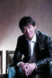 刘小锋拍《利剑》落马受伤坐轮椅拍完最后戏份