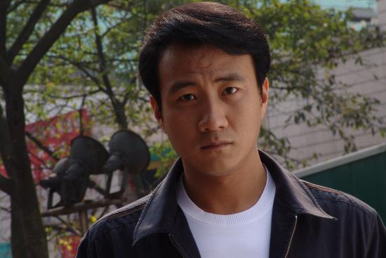 胡军诠释知识分子奋斗历程《岁月》北京播出