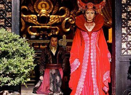 刘庭羽饰演的魔音和谭耀文饰演的荣狄王