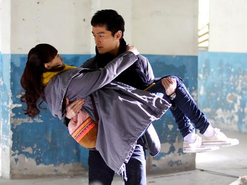 唐嫣遭遇绑架,胡歌英雄救美