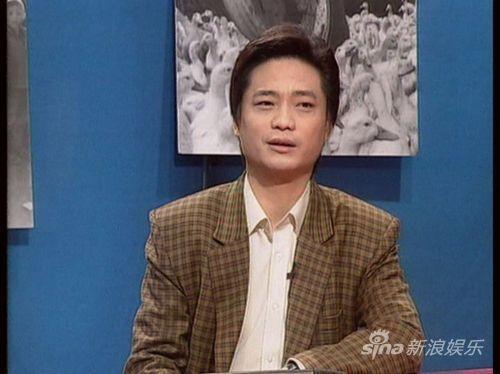 2002年,崔永元最终因得重度抑郁症而离开了《实话实说》