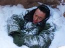 吴健《遥远》被埋雪中(图)