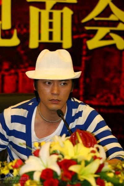 图文:《暴雨梨花》见面会--男一号吴庆哲