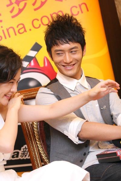 图文:《鹿鼎记》聊天--黄晓明与刘孜