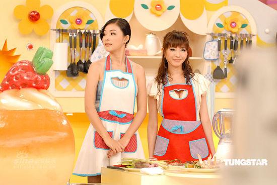 图文:《美女厨房》录制