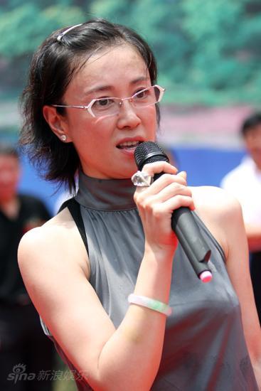 图文:新版《水浒传》开机--傅艺伟