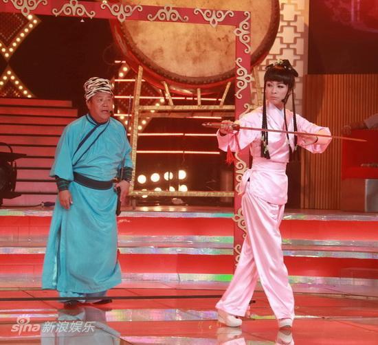 图文:米雪朱茵同台PK-靖哥哥和黄蓉