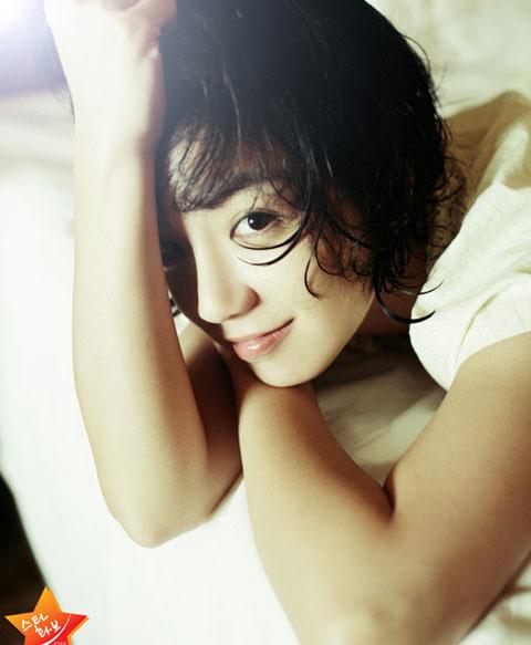 韩国女演员Amy公开第一部写真集