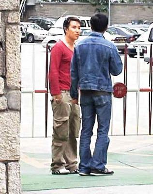 黄长发到警署助查感情生变拒见富商三姨太(图)