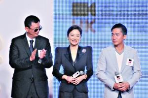 3月份的《东邪西毒》终极版发布会上,王家卫和梁朝伟就轮番劝说林青霞(中)复出。图/CFP