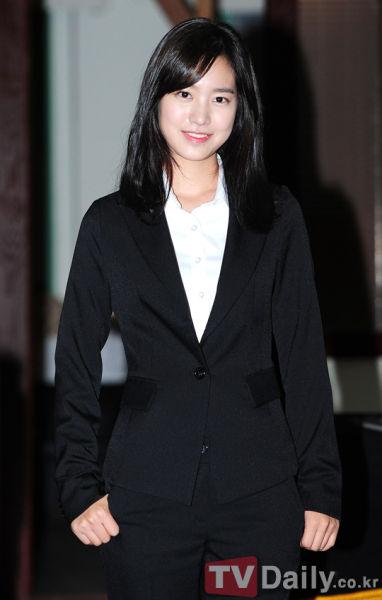 陈世妍SNS上传自拍照变身卡通人物美李光洙少女
