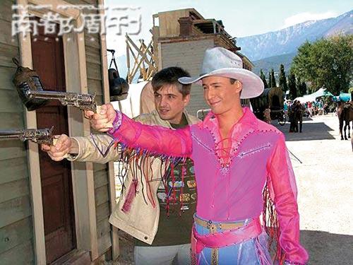 Vitas中国巡演唱中文歌不接受采访是规避伤害