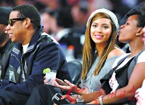 Jay-Z明确支持蕾哈娜