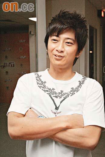 孙耀威称杨秀惠不贪钱闻对方有新恋情感轻松