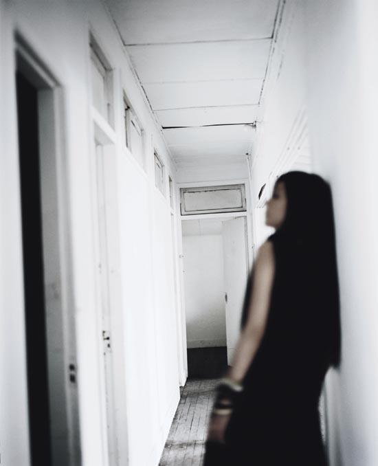 资料图片:创作才女张悬精美写真(18)
