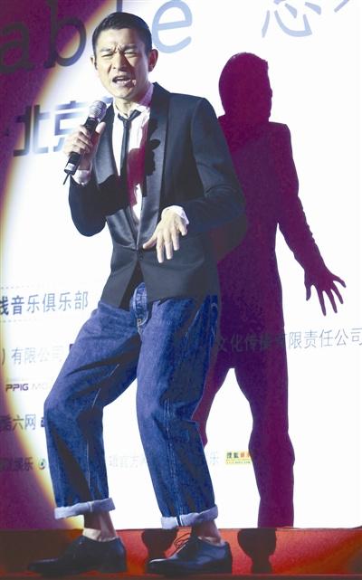 华语歌坛多年后继乏人新天王难寻老将齐发力