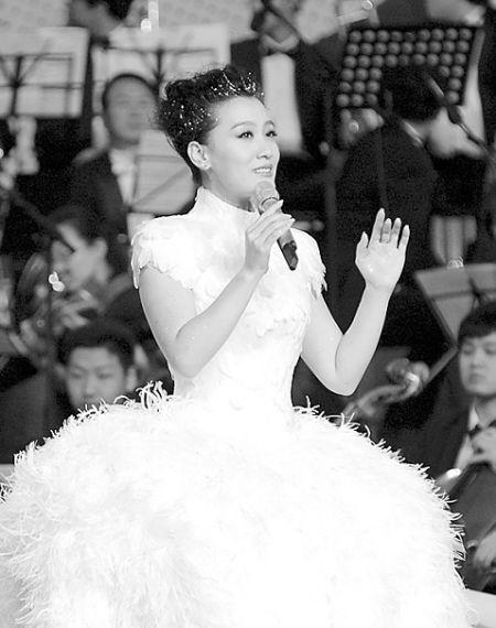 《报答》,《我爱你中国》三首歌曲,身为亚运会宣传大使的谭晶感谢