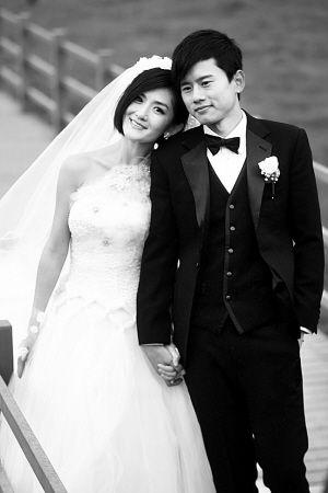 昨天,谢娜、张杰结束爱情长跑,在香格里拉普达措国家公园完婚。 CFP 图