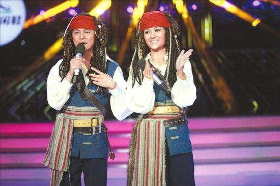 何炅谢娜搞笑推出新节目《百变大咖秀》。