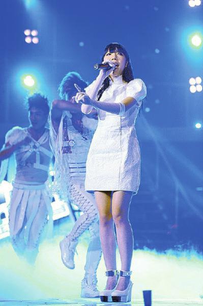 对于吴莫愁的嗓音和唱腔,不少网友表示不能接受