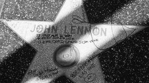约翰-列侬星光大道奖章遭破坏