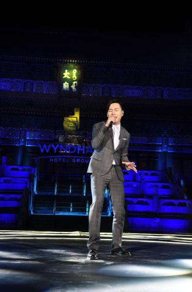 胡彦斌献唱新歌《当你要离开的时候》