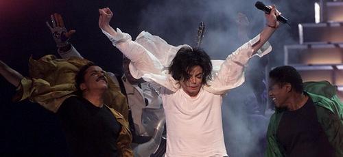 《时代》周刊:迈克尔-杰克逊之死天才与悲剧
