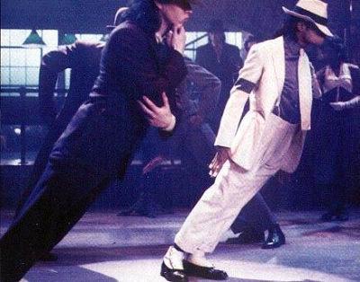 迈克尔-杰克逊的音乐传奇:四大舞步创辉煌(图)