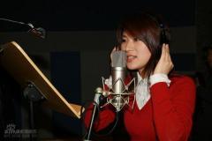 尚雯婕新专辑唱快歌李伟菘跳舞骟气氛(组图)