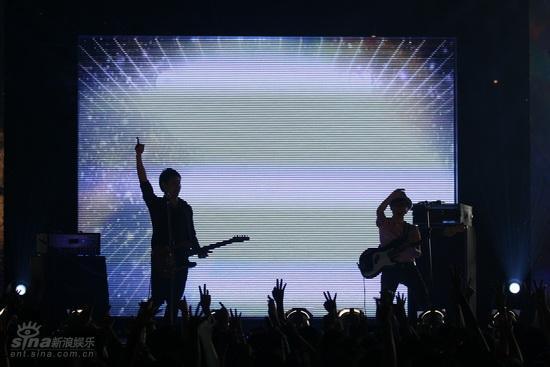 图文:MTV亚洲大奖颁奖礼-Electrico登台表演